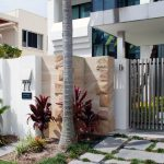 Residential stainless steel front gate