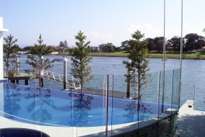 Residential stainless pool fencing