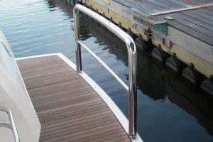Stainless steel duckboard rail