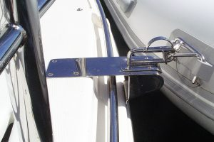 Stainless dinghy snap davit mounts