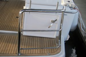Stainless removable pins for duckboard rails
