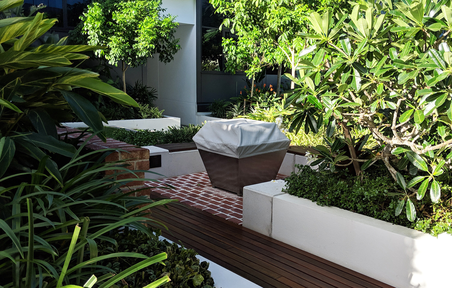 Handcrafted in Australia, the distinctive character of our stainless gas Fire Pit will bring warmth and style to your outdoor entertaining