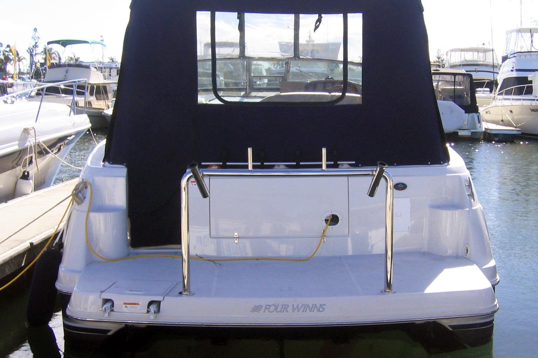Four Winns stainless duckboard rail