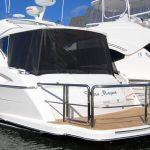 Riviera Sport Yacht duckboard rail