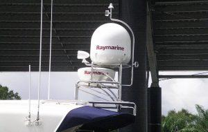 Stainless radar arch with Raymarine radar