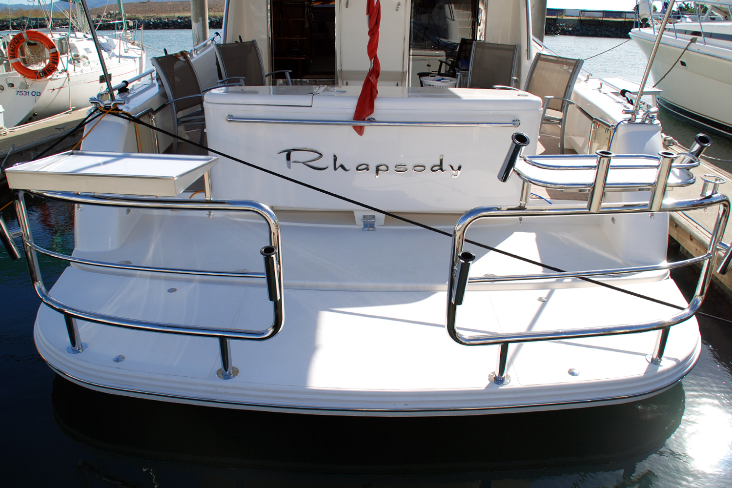 Duckboard rail on Maritimo 60 boat with bait board
