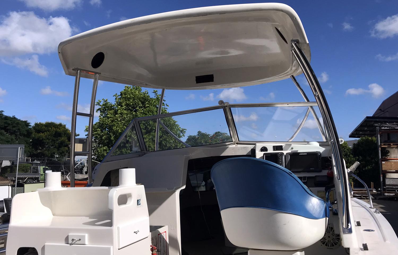Targa bar for boats hardtop