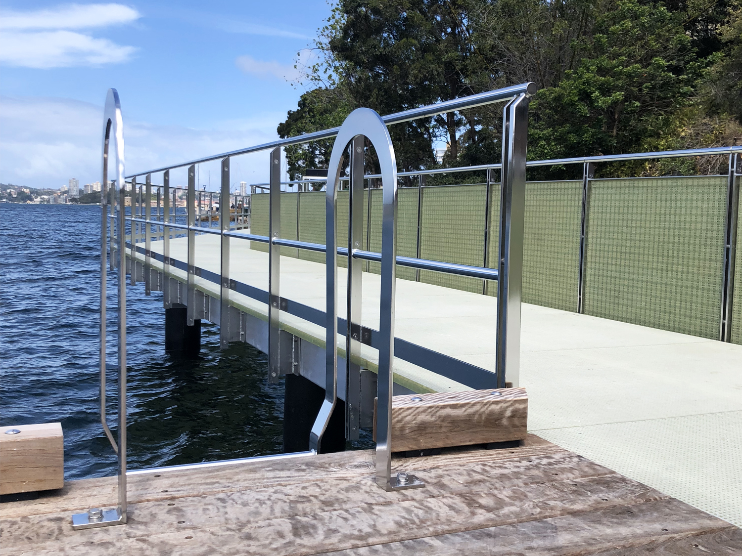 Marine safety ladder for docks stainless steel